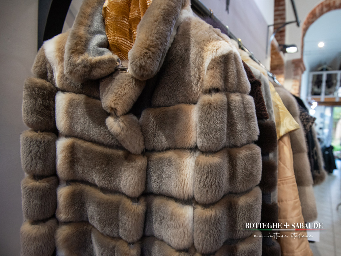 Botteghe-Sabaude__Manifattura-italiana__show-room-pellicce-a-torino__fur-exhibit__four_